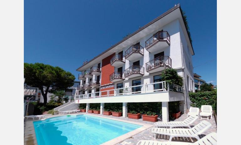 hotel VILLA D'ESTE: esterno con piscina