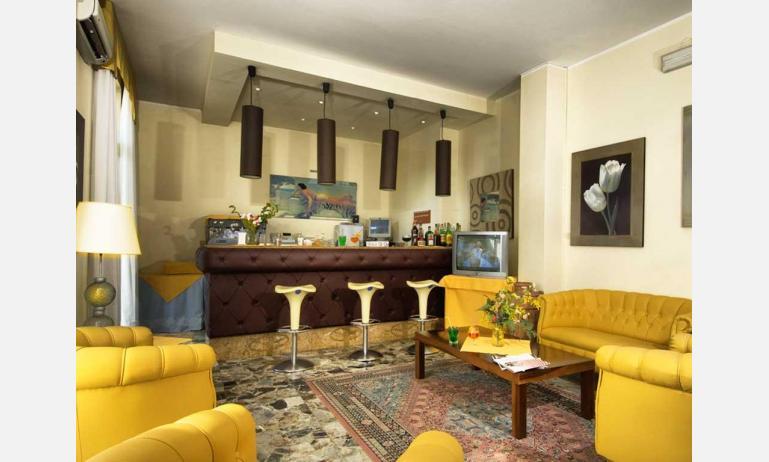 hotel VILLA D'ESTE: bar della hall