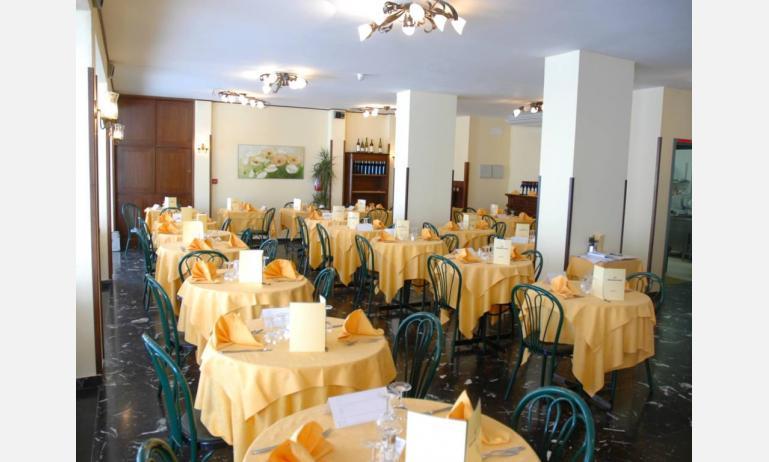 hotel VILLA D'ESTE: sala ristorante