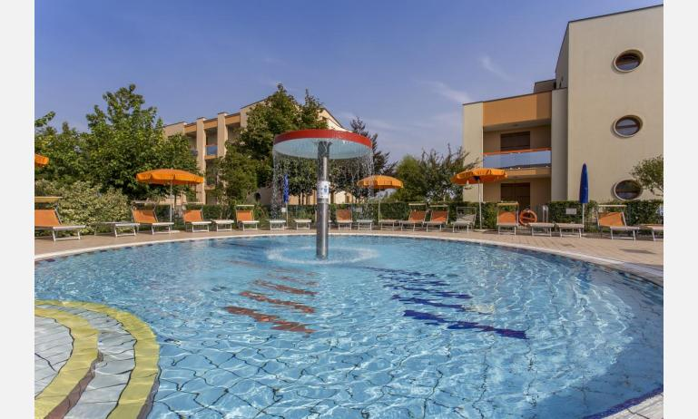 residence AI GINEPRI: piscina
