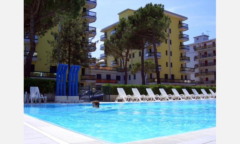 residence COSTA DEL SOL: esterno con piscina