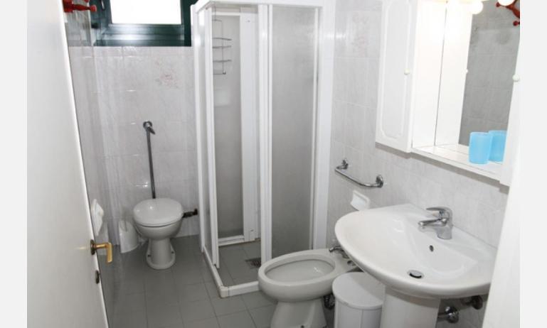 residence EL PALMAR: bagno (esempio)