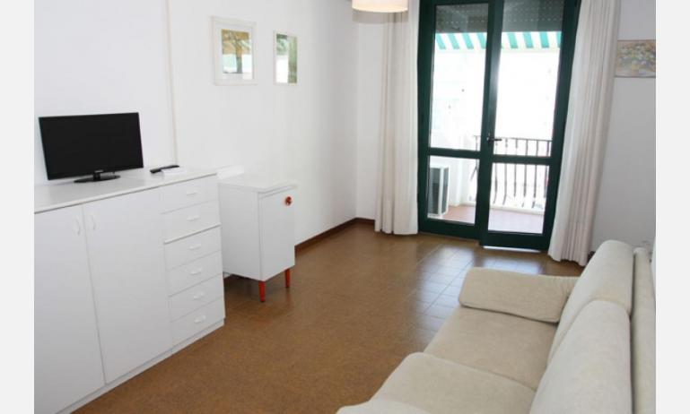 residence EL PALMAR: soggiorno (esempio)