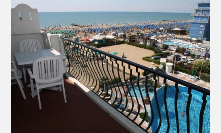 residence EL PALMAR: balcone (esempio)
