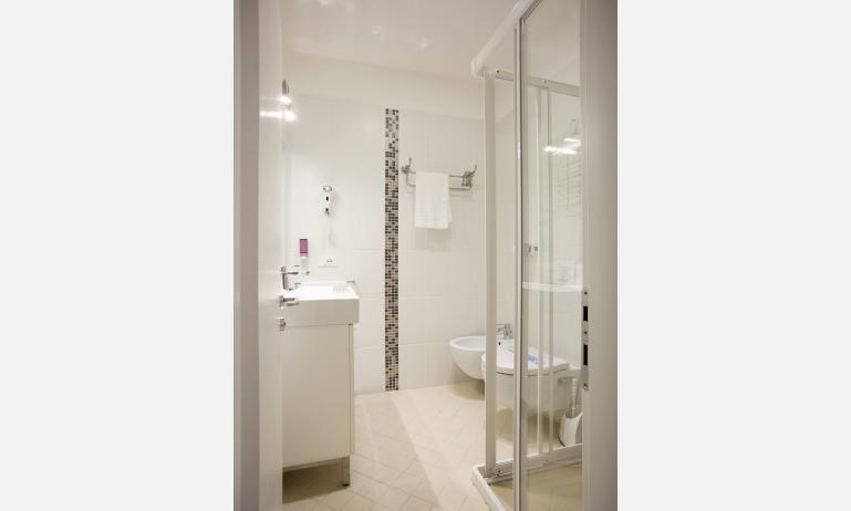 Hotel SPERANZA: Badezimmer (Beispiel)