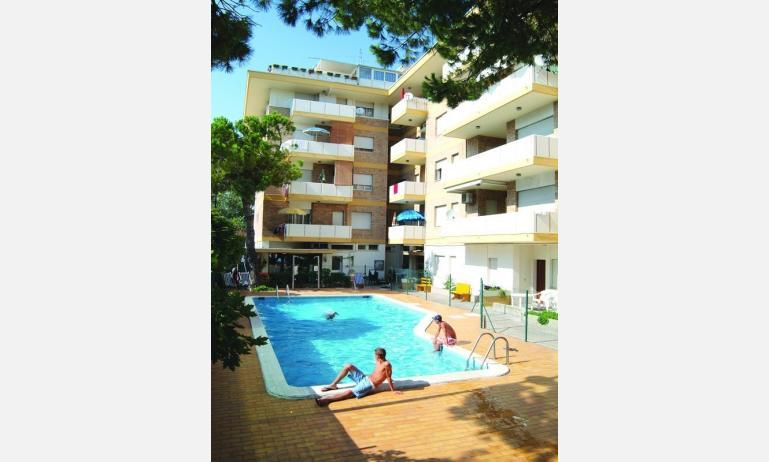 Jesolo residence benelux - Residence rimini con piscina ...