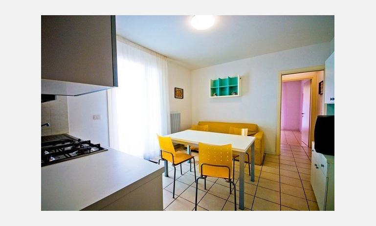 residence SOLEMAR: soggiorno (esempio)