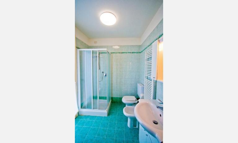 residence SOLEMAR: bagno (esempio)