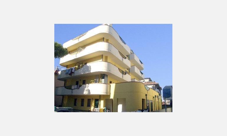 residence MEDITERRANEO: esterno