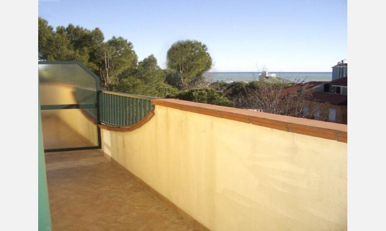 residence MEDITERRANEO: balcone (esempio)