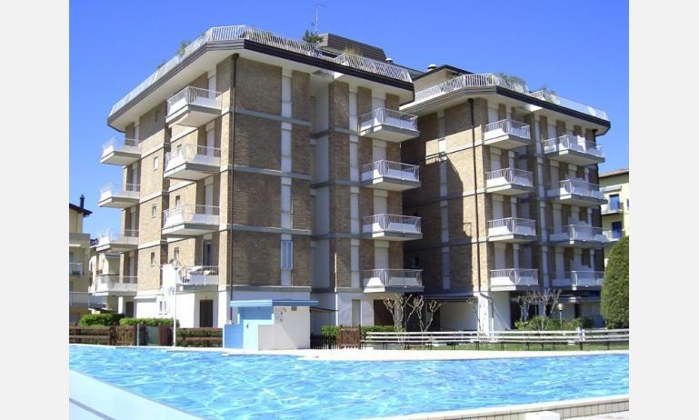 residence SANTA FE: esterno con piscina
