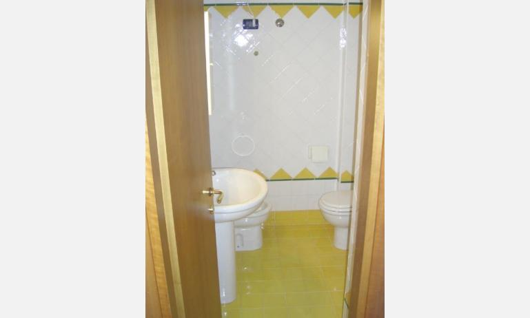 residence SEMIRAMIS: bagno (esempio)