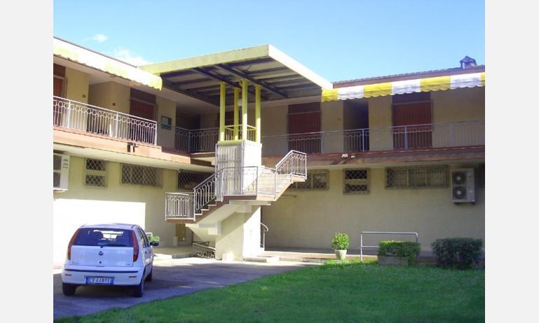 appartamenti ELLE: esterno condominio