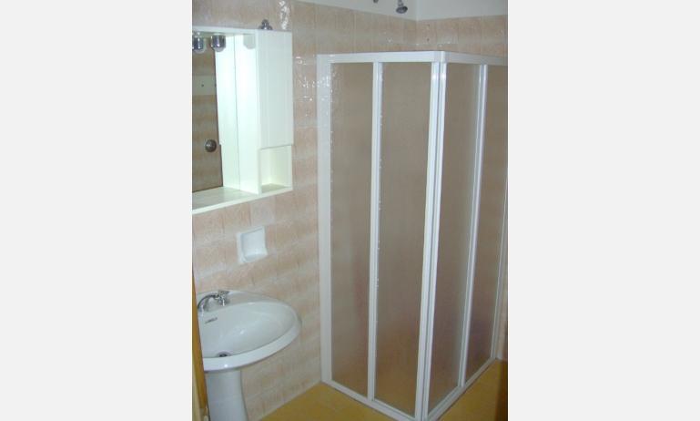 appartamenti ELLE: bagno (esempio)