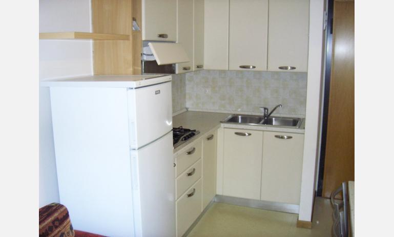 appartamenti LARA: angolo cottura (esempio)