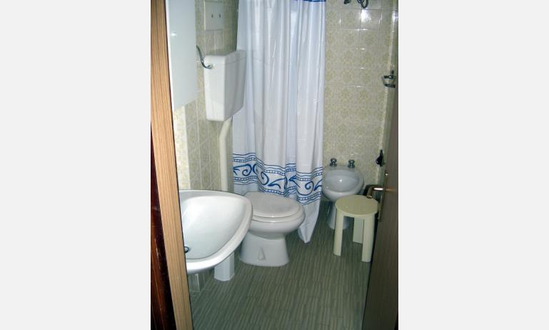 appartamenti LARA: bagno (esempio)