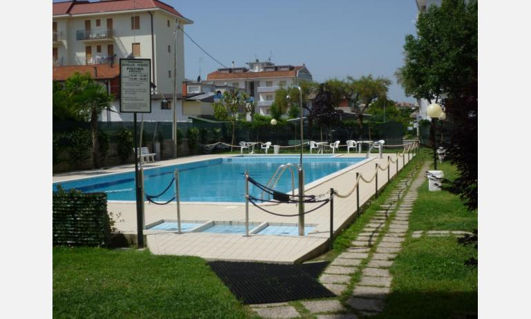 residence RUBINO: piscina