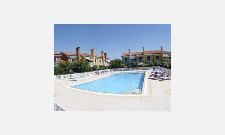 residence SAN MARCO: piscina