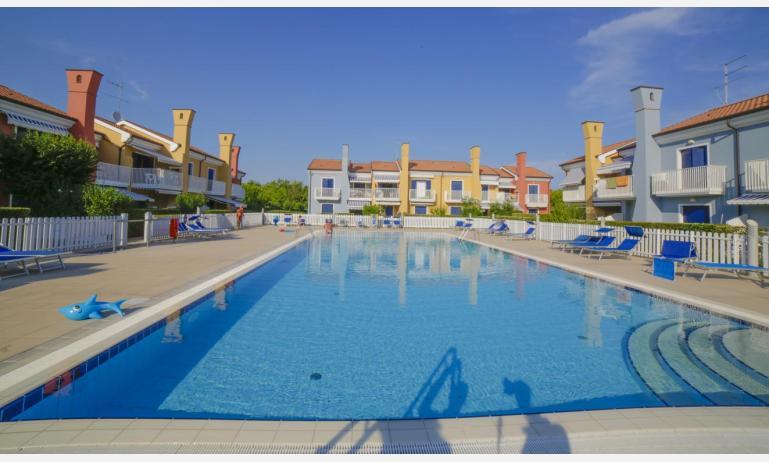 residence SAN MARCO: esterno con piscina