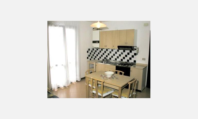 residence TAMERICI: angolo cottura esempio