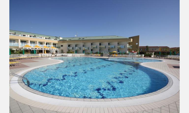 hotel MAREGOLF: piscina