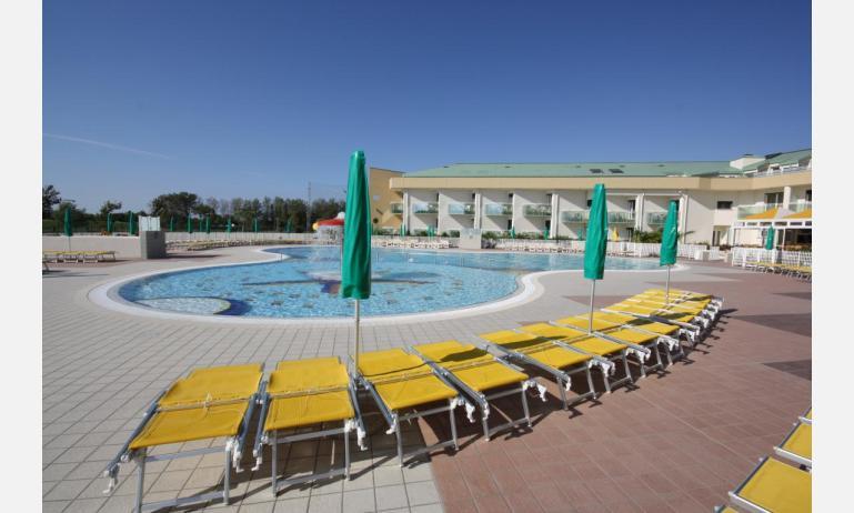 hotel MAREGOLF: solarium