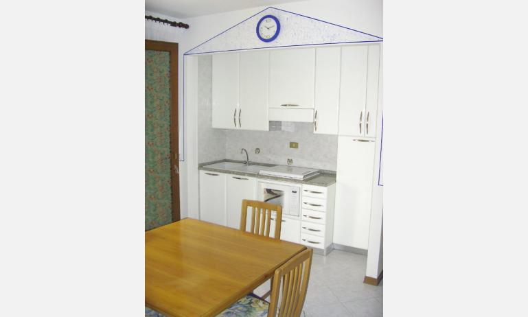 residence CRISTINA: angolo cottura (esempio)