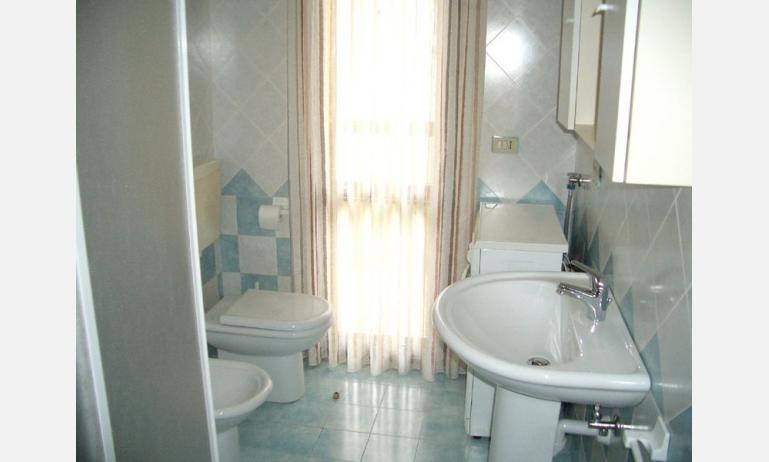 appartamenti PINETA: bagno (esempio)