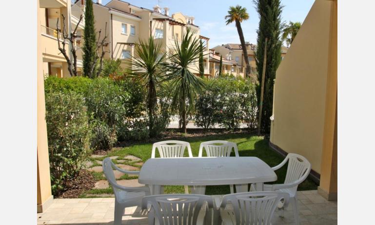 residence MEDITERRANEE: terrazzo (esempio)