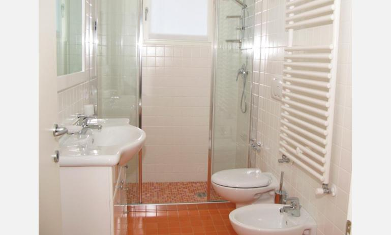 residence MEDITERRANEE: bagno (esempio)