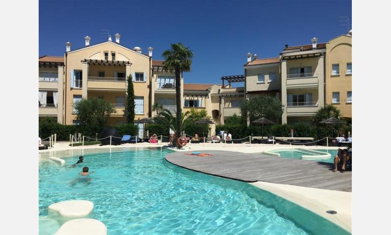 Residence MEDITERRANEE: Schwimmbecken