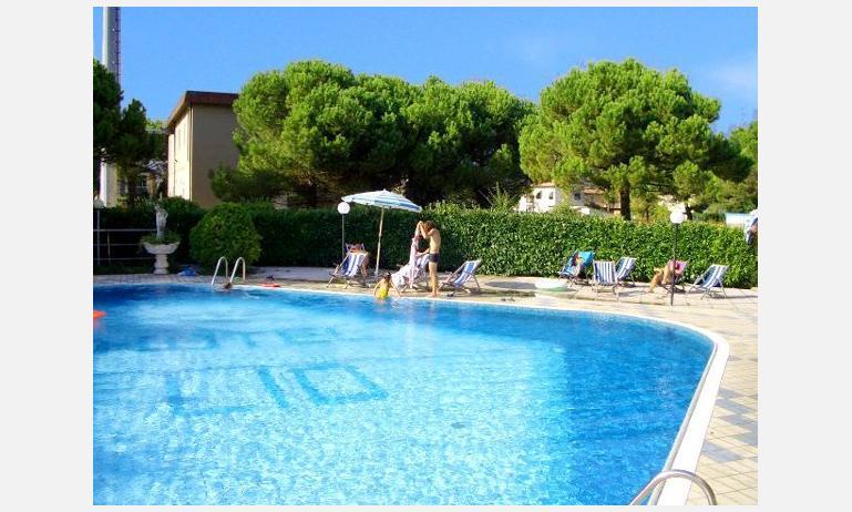 residence LIO: piscina