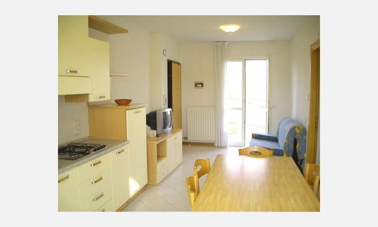 residence LIO: angolo cottura (esempio)