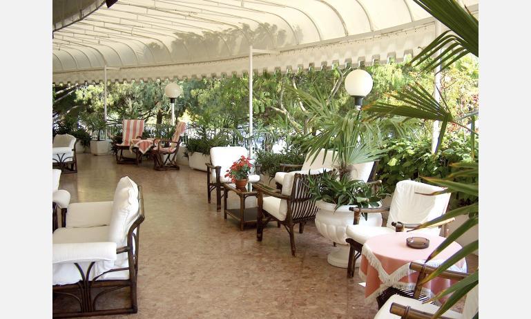 hotel CORALLO: bár terasz