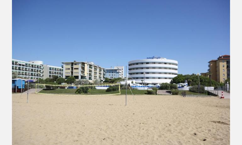 hotel CORALLO: external house-view from the beach