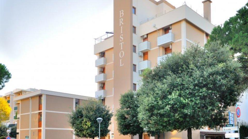 Bibione spiaggia appartamenti bristol for Appartamenti bibione