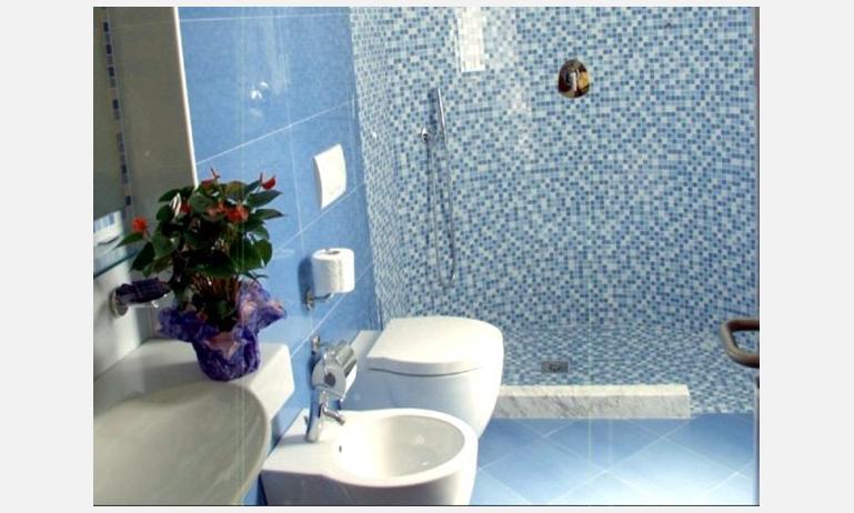 hotel COPPE: bagno (esempio)
