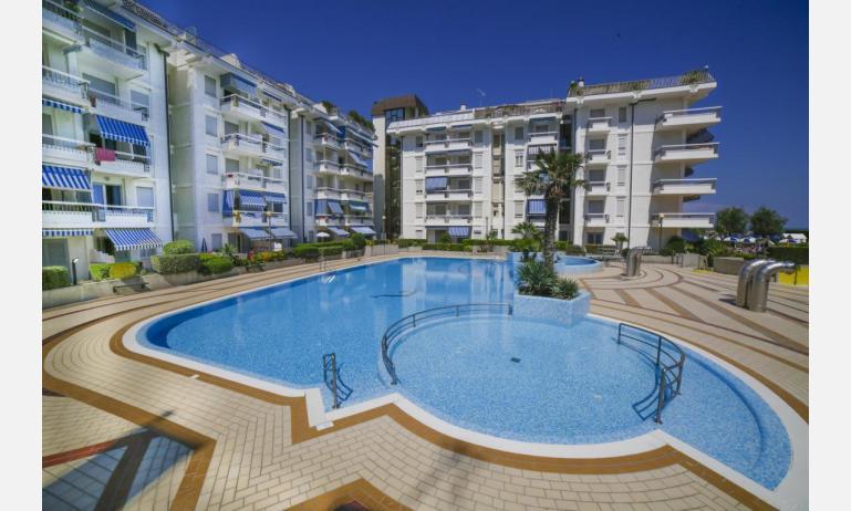 residence MEXICO: esterno con piscina