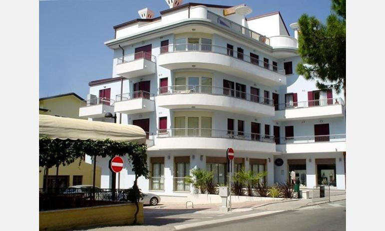 appartamenti CARAVELLE: esterno condominio