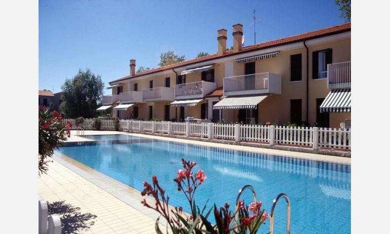 residence VITTORIA: piscina