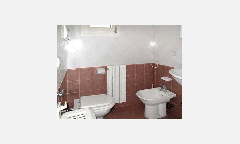 residence VITTORIA: bagno (esempio)
