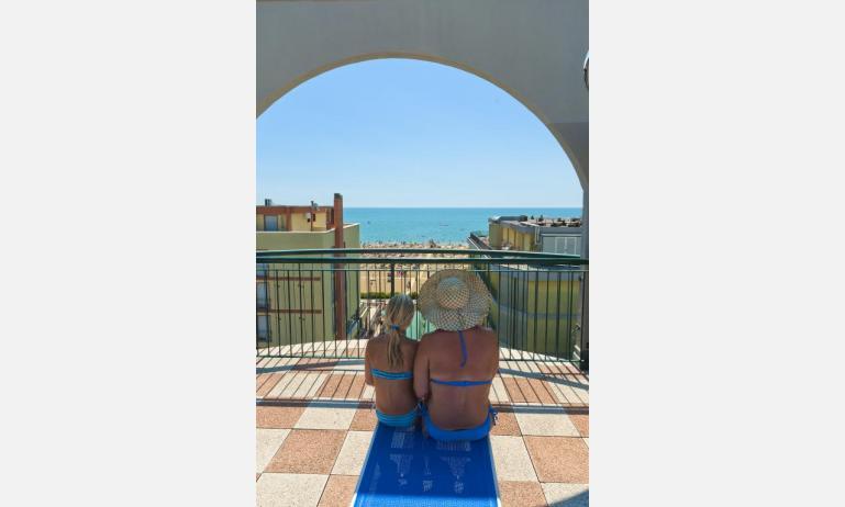 residence CRISTOFORO COLOMBO: vista mare (esempio)