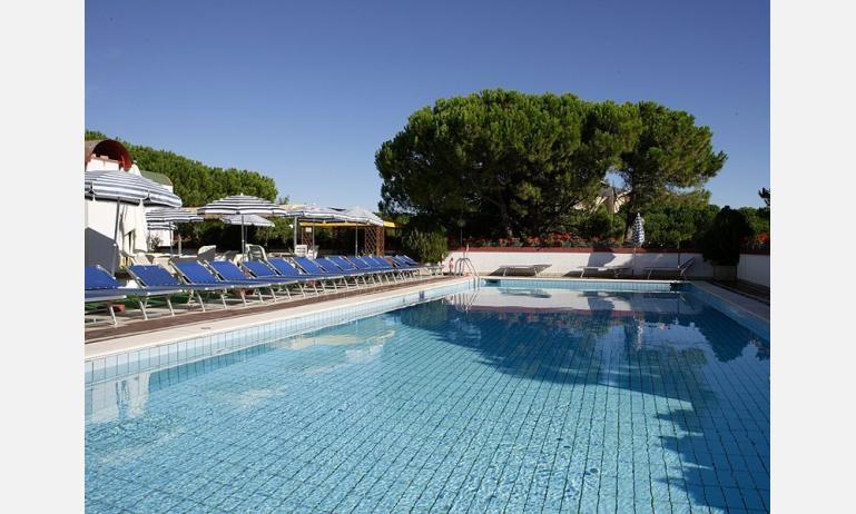 hotel JASMINUM: piscina