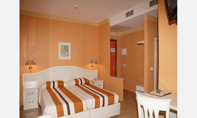 hotel JASMINUM: camera standard
