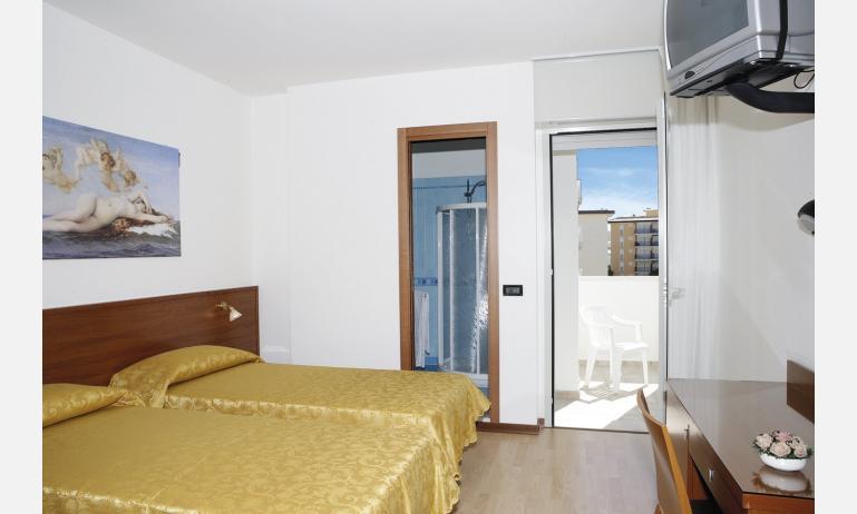 hotel GRAN VENERE BEACH: bedroom (example)