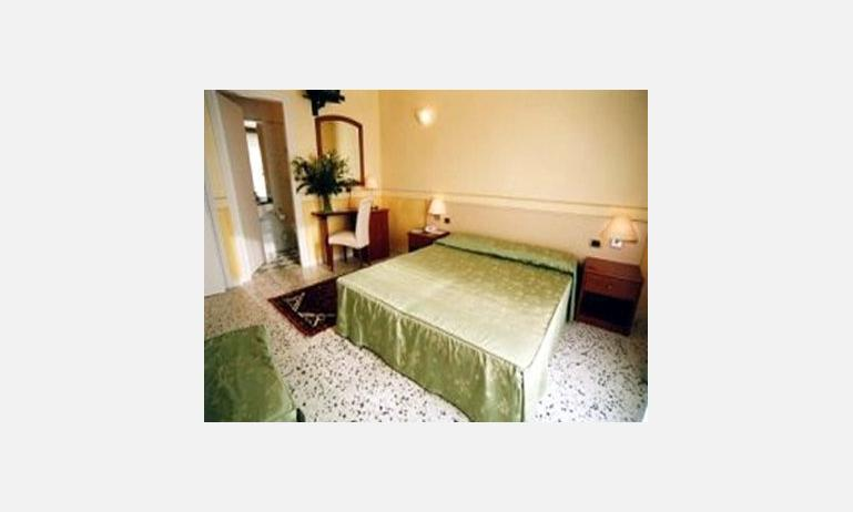 hotel KARINZIA: camera standard (esempio)