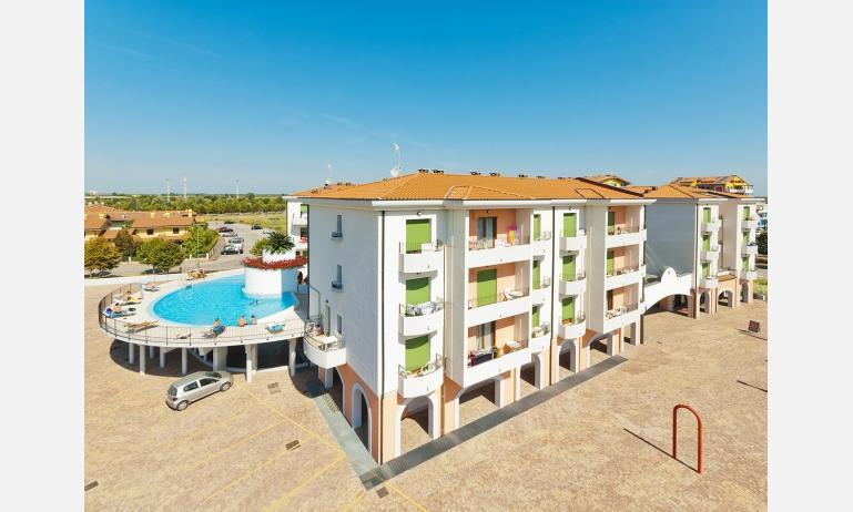 residence GALLERIA GRAN MADO: esterno con piscina