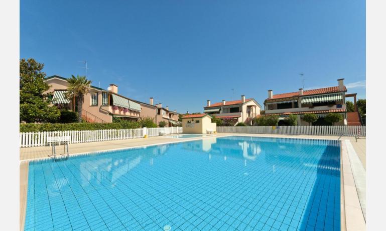 residence CRISTINA BEACH: piscina