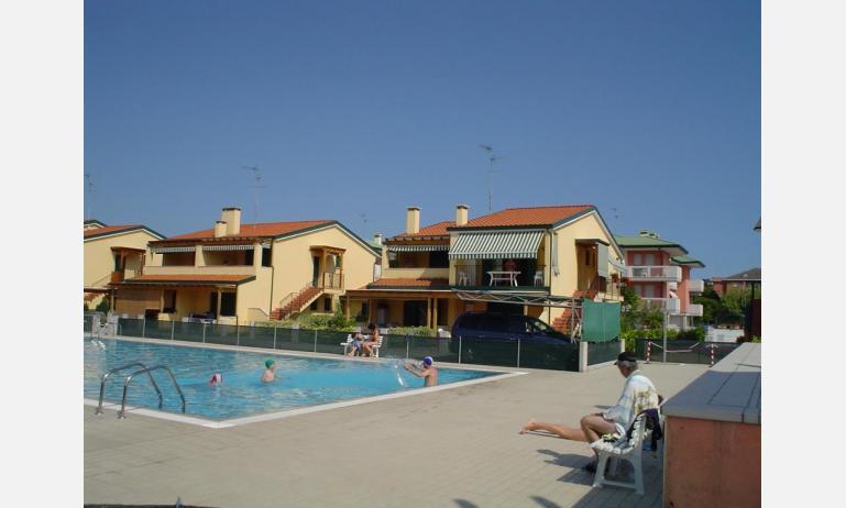 residence CRISTINA BEACH: esterno con piscina