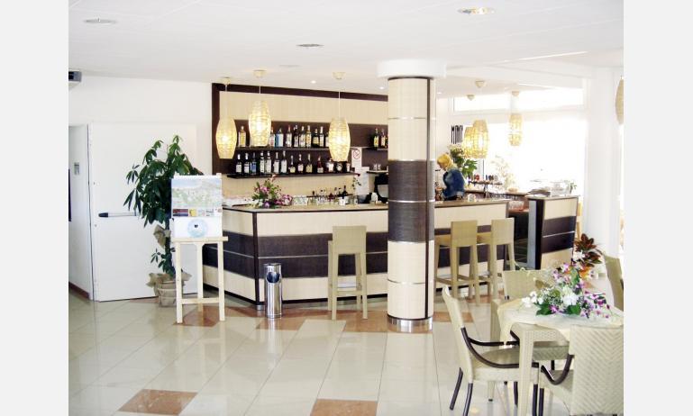 residence HEMINGWAY: hall